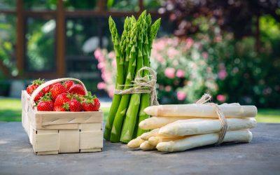 Erdbeeren und Spargel von Edlingers