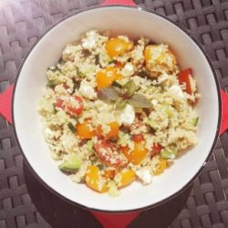 Couscous-Salat im teller